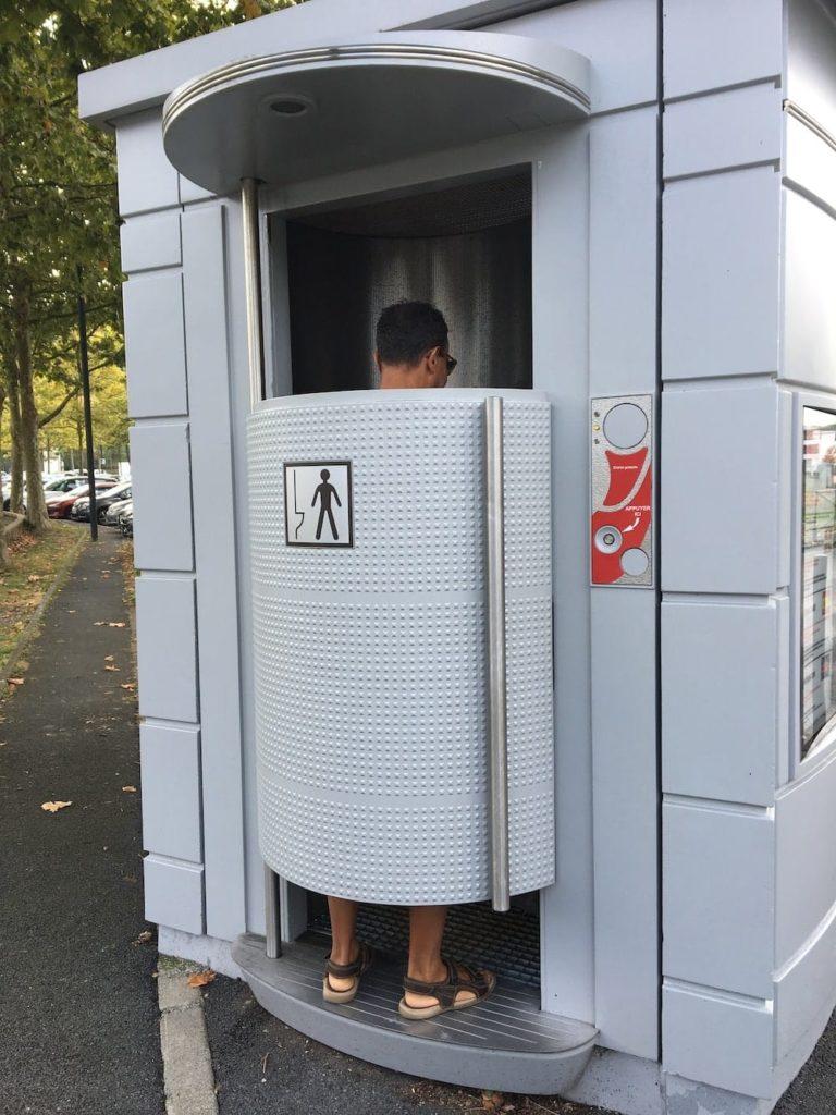 Le Tour des Toilettes