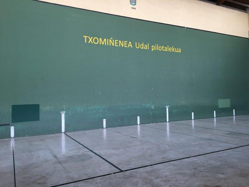 Pelota court