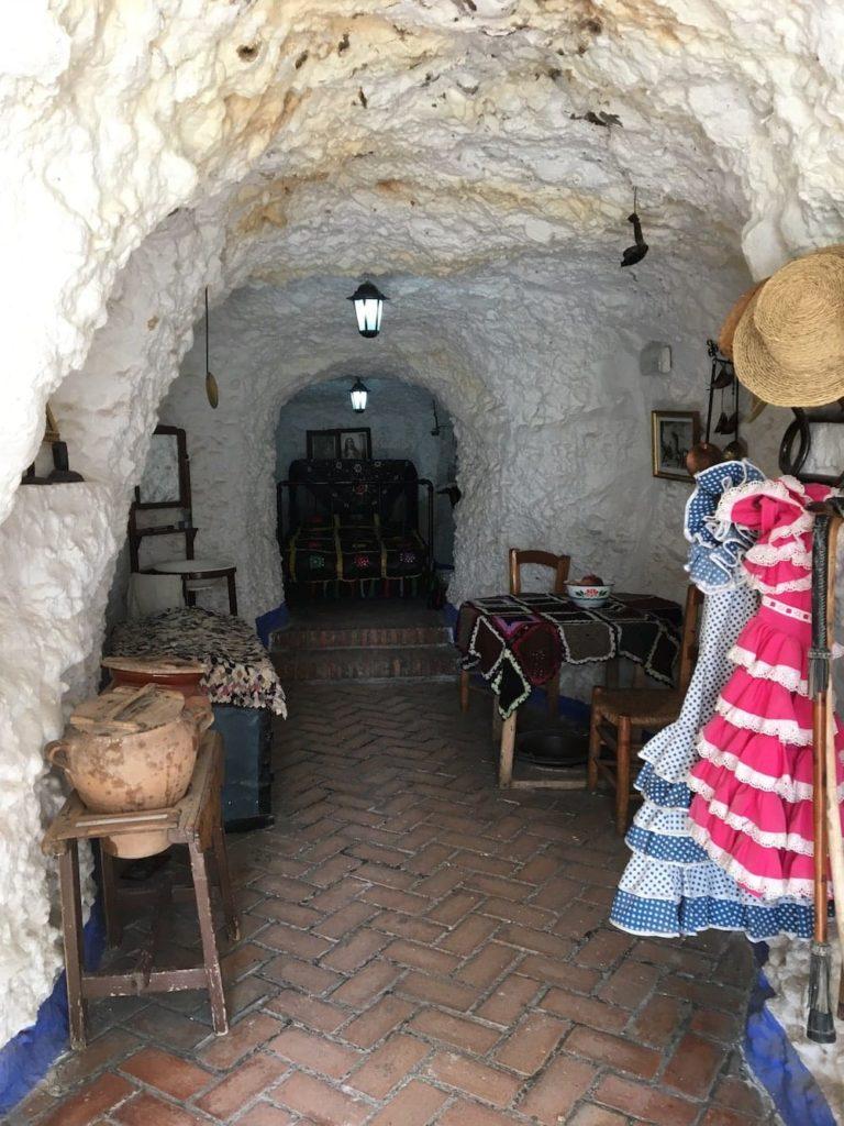 Sacramonte cave house